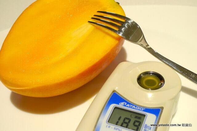 眼鏡伯芒果甜度測量儀器,每顆甜度須達平均值